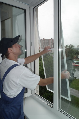 Москитную сетку на пластиковое окно
