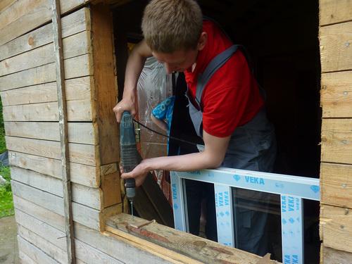 Оконный проем для монтажа дачного окна